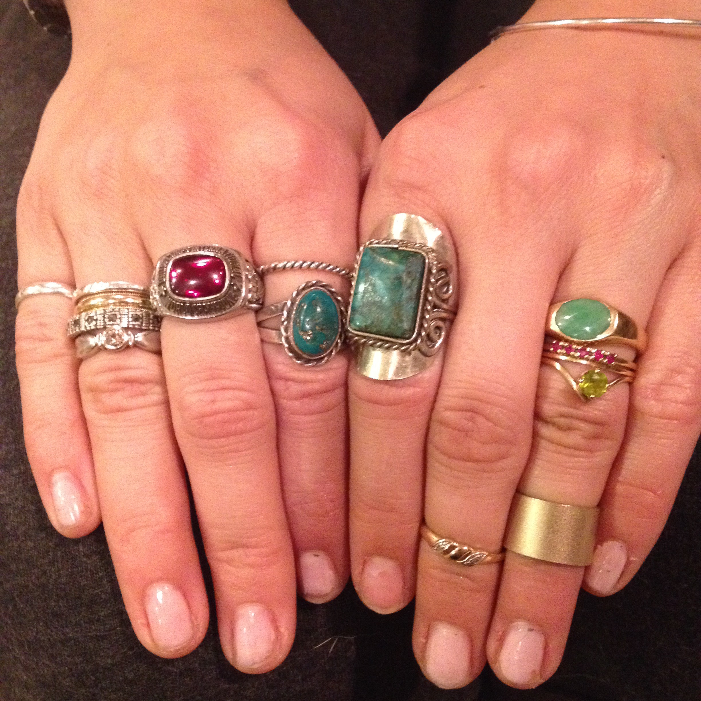 #RINGFEVER : Alex Loves her Pinky Rings